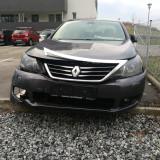 dezmembrez Renault Latitude 2012