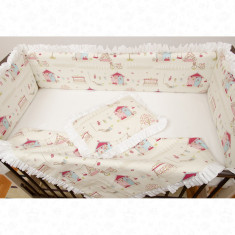 Set de lenjerie patut bebe model Casuta din povesti - Perna bebelusi