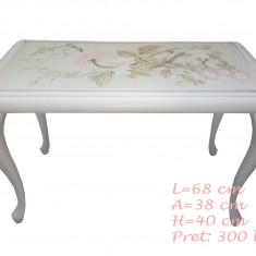 Masuta de cafea din lemn masiv vopsita alb si pictata manual cu trandafiri - Masa living