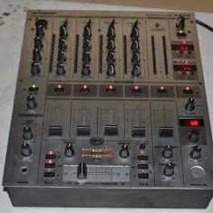 Mixer BEHRINGER DJX-700 - Mixere DJ