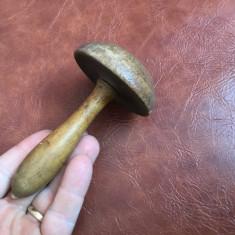 Ciuperca din lemn pentru croitorie model deosebit !!!