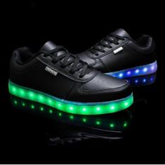 Adidasi negrii  cu Leduri Led 7 culori 4 moduri flash