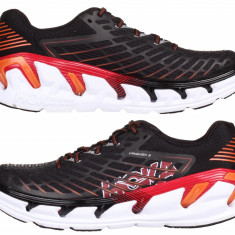 Hoka Vanquish 3 Pantofi alergare barbati negru-auriu UK 9 - Incaltaminte atletism