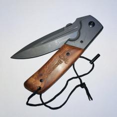Briceag Browning  cu maner cu insertii de lemn ideal supraviețuire