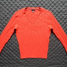Bluza tricotata Tommy Hilfiger. Marime L: 49 cm bust, 61 cm lungime etc.