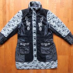 Palton Zay Clothing Danemarca; marime M, vezi dimensiuni in poza; impecabil - Palton dama, Marime: M, Culoare: Din imagine