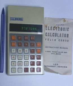 un calculator  vechi ICE felix CE 822 CE822 extrem de rar de colectie functional