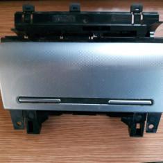 Scrumiera fata Audi A4 B6 - Dezmembrari Audi
