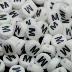 100buc Margele plastic acril, alfabet, albe, litera M, forma rotunda, 7 x 4 mm