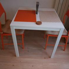 Vand masa alba ikea + 2 scaune portocalii kika - Masa bucatarie