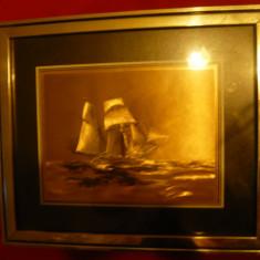 Tablou - Corabie- foita metalica aurita , rama metalica , dim.=33x28 cm