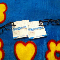 Vand ochelari de vedere negrii