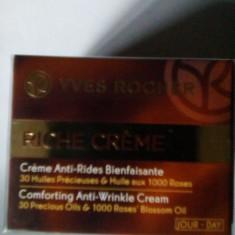 Crema regeneratoare de zi Riche Creme cu 30 de uleiuri pretioase Yves Rocher