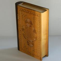 Cutie lemn - carte