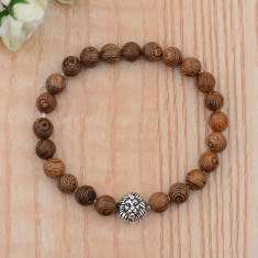 Bratara unisex din lemn natural culoare maro , cap de leu