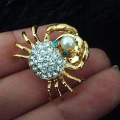Brosa dama-SUPERBA VINTAGE- RAC placata cu Aur 18k,PERLA si cristale-martisor