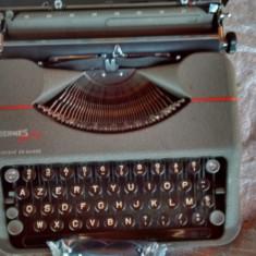 Masina de scris portabila elvetiana deosebita+banda cadou