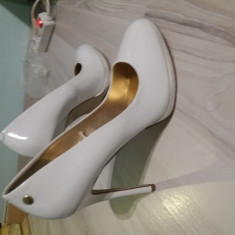 Pantofi de dama albi marimea 41 - Pantof dama, Cu toc