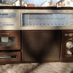 Radiocasetofon grundig rr 220