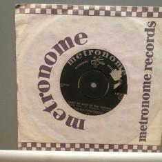TOOTS THIELEMANS - WHISTLE WHILE../CARRY ME..(1977/EMI/RFG) - Vinil Single '7/NM - Muzica Blues Metronome