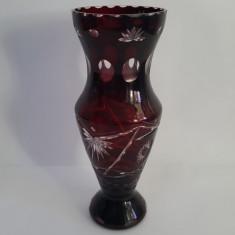 VAZA VINTAGE CRISTAL ROSU RUBIN - PERIOADA COMUNISTA - Vaza sticla