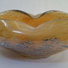 SCRUMIERA VECHE STICLA MASIVA CU BULE (PIESA RARA) - Scrumiera sticla