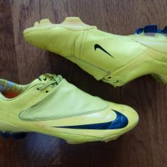 Crampoane fotbal Nike Mercurial; marime 40.5 (25.5 cm talpic interior) - Ghete fotbal Nike, Culoare: Din imagine, Barbati