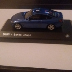Macheta bmw serie 4 f32 coupe 2013 - Iscale, scara 1/43, model dealer bmw. - Macheta auto