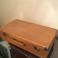 Geamantan vechi 1965