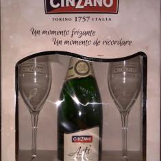Vin spumant Cinzano Asti cu pahare cadou