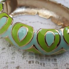 Frumoasa bratara metal auriu cu email - Bratara Fashion