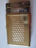 Tabachera colectie cu bricheta incorporata din anii 60