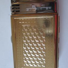 Tabachera colectie made in Shanghai cu bricheta incorporata din anii 60 - Tabachera veche