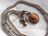 Medalion argint cu CAMEE pe scoica si CRUCIULITA delicat VECHI pe Lant argint