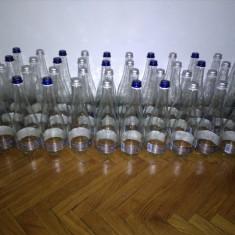 Sticle 0.75 l 1 leu/buc, respectiv sticle colorate 0.7 l si 1.0 l 5 lei/buc.