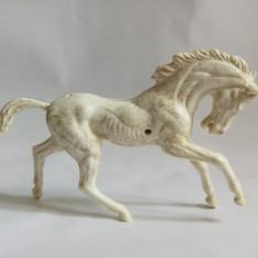 Cumpara ieftin Figurina cal alb, detaliat, expresiv, costeliv, deosebit, 9x6 cm, plastic