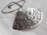 Medalion argint EVANTAI splendid VECHI vintage OPULENT elegant pe Lant argint