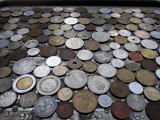 Lot mare de 164 monede diferite vechi romanesti si straine monezi bani diverse