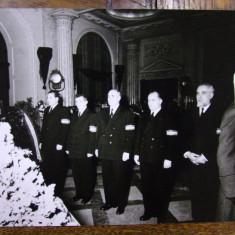 GHEORGHE GHEORGHIU-DEJ SI NICOLAE CEAUSESCU LA INMORMANTAREA LUI NIKITA HRUSCIOV - FOTOGRAFIE ORIGINALA DIN 1964 - Harta Europei