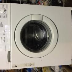 Mașina de spălat rufe