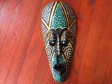Arta africana - Masca deosebita din lemn pictata manual - model deosebit !!!