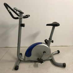 Vând Bicicleta Fitness, de camera