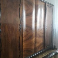 Mobier dormitor masiv lemn curbat, furnir radacina nuc - Dormitor complet