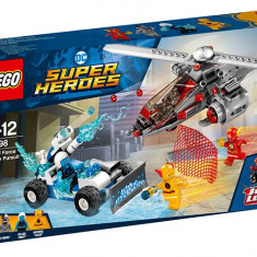 LEGO DC Super Heroes - Urmarirea in viteza 76098 - LEGO Marvel Super Heroes