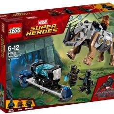 LEGO Marvel Super Heroes - Confruntarea cu rinocerul langa mina 76099