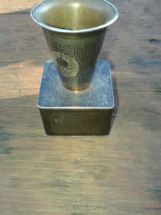 Pahar de cupru vechi gravat cu argint
