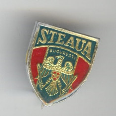 Fotbal Club STEAUA Bucuresti - insignă Romania