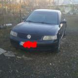 Vand Volkswagen passat, An Fabricatie: 2002, Benzina, 330 km, 16 cmc