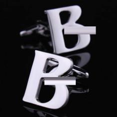 Butoni argintii litera B metalici  + ambalaj cadou
