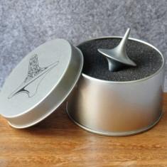 Titirez Inception Totem + Ambalaj Cutie Metal Model Unicat + Zar Cadou - Jocuri Stiinte
